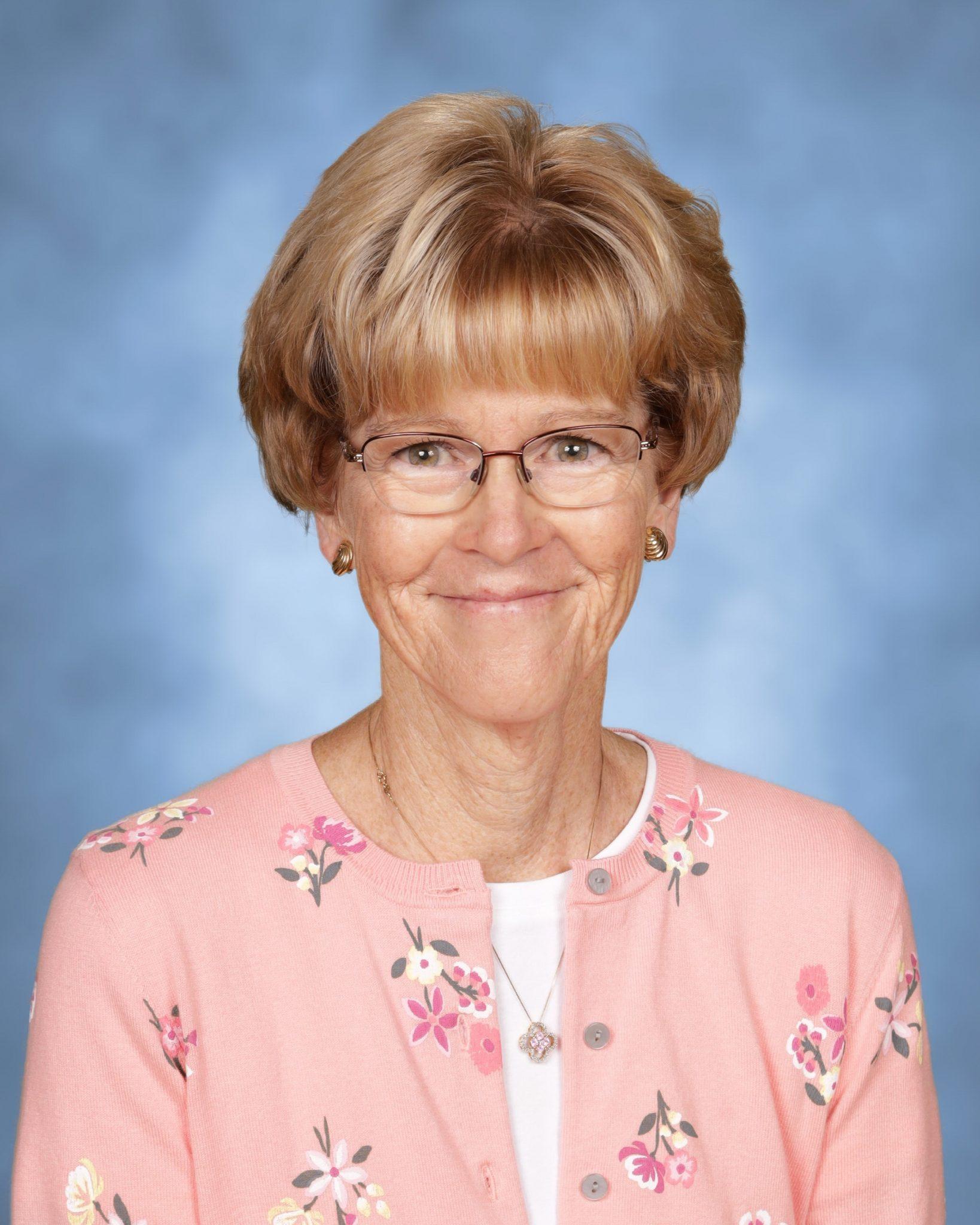 Linda Gniewek : Parish Secretary